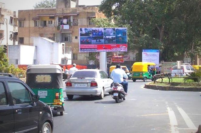 Unipole Advertising In Ahmedabad, Billboard Ads In Paldi, Advertising Unipoles In Paldi, Advertising In Ahmedabad, Best Advertising Unipoles In Paldi